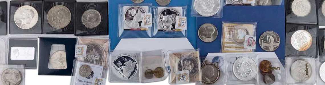 Les Pièces De Monnaie, Des Médailles, Timbres, Historika