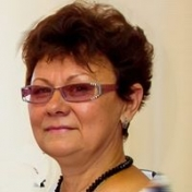 Painter Halina AKSAMIT