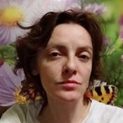 Painter Lara Shut