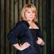 Painter Maryna Pashchenko
