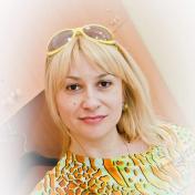 Painter Evgenia Erkenova