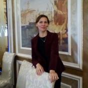Painter Oksana Khokhlova