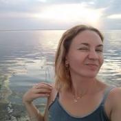 Painter Polina Miroshnyk