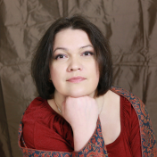 Painter Maryna Lysiana