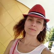 Painter Tanya Vesta