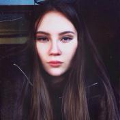 Painter Olga Akinfeeva