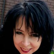 Painter Irina Zinik