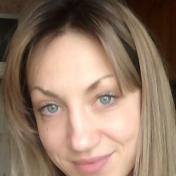 Painter Anna Kuptsova