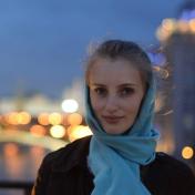 Painter Lyudmila Kushnir