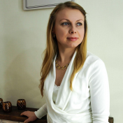 Painter Tatiana Iurasova
