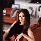 Painter Oksana Nichiporuk