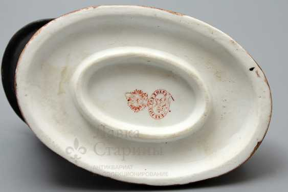 Vintage porcelain ashtray in the form of hats coachman, Gardner, Russia, late 19th century - photo 4