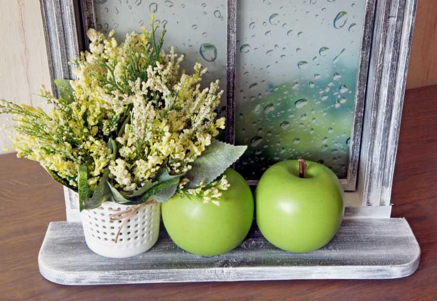 VALENTINA LEPKOVICH. Innere Wandbild, Imitation rustikalen Fenster Äpfel und Regen - Foto 2