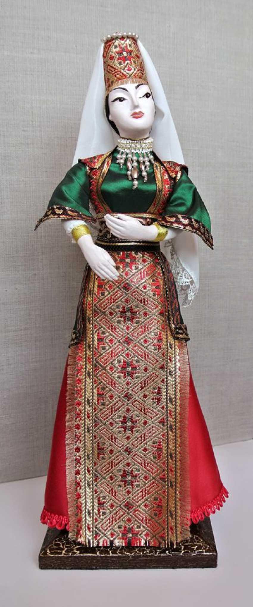 Karine Yeghiazaryan. Poupée de collection dans l'costume national - photo 1