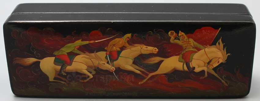 """Soviet propaganda lacquer box """"Attack"""", papier-mache, lacquer, 1960-ies - photo 1"""