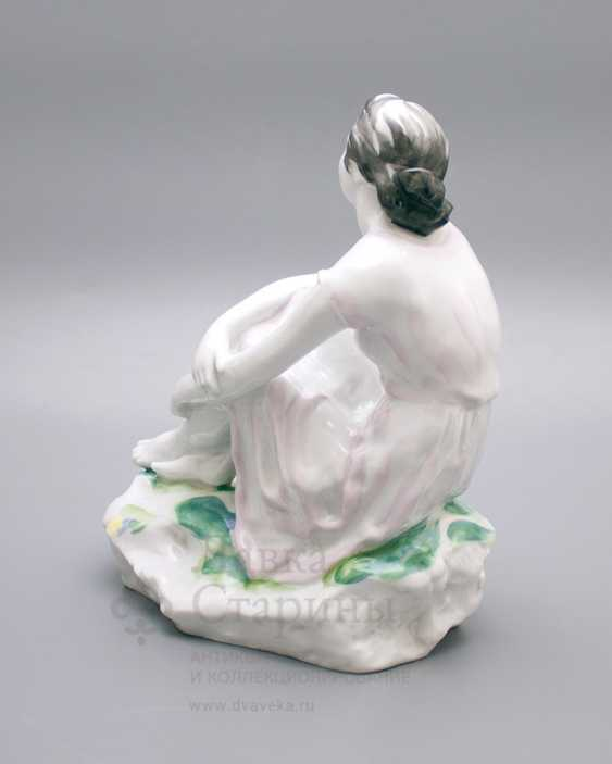 "Porcelain figurine ""On holiday"", LFZ, sculptor Gendelman And E., the artist lupanova E. N. - photo 4"