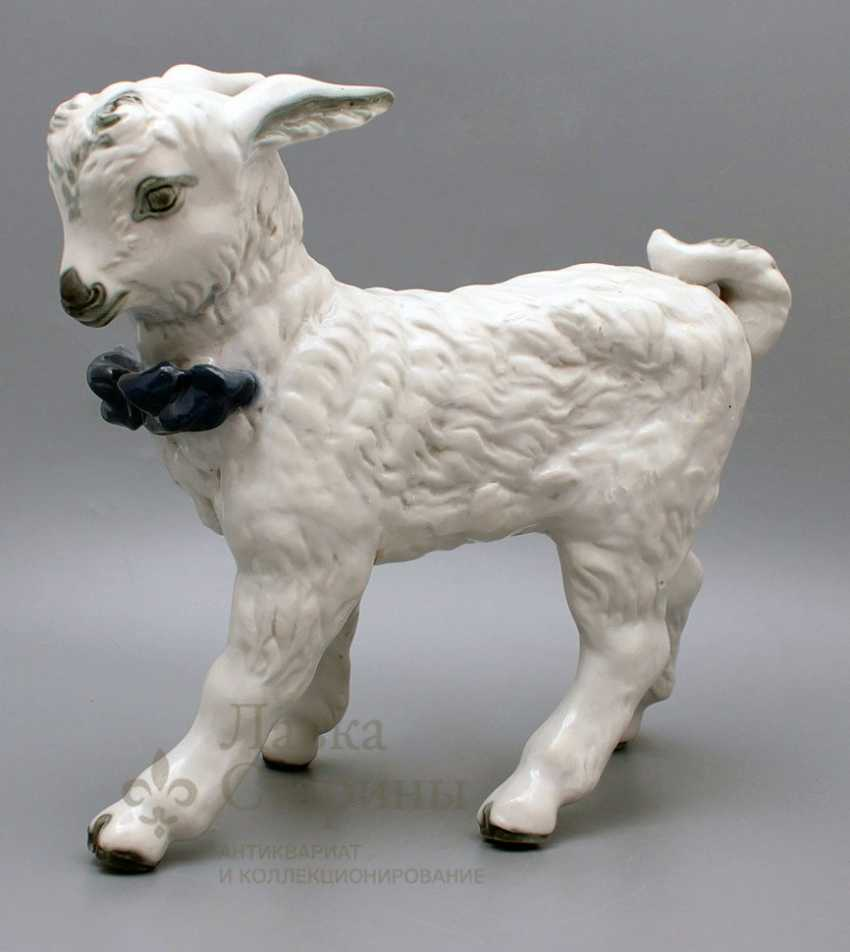 "Figurine of porcelain ""Lamb"", Dulevo plant - photo 1"