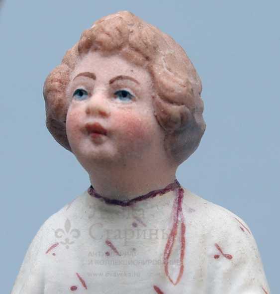 """Vintage Soviet figurine """"Peasant, whitening canvas"""", porcelain, biscuit, Verbilki, 1920-30 years - photo 5"""