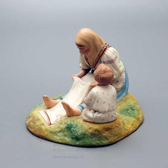 """Vintage Soviet figurine """"Peasant, whitening canvas"""", porcelain, biscuit, Verbilki, 1920-30 years - photo 2"""