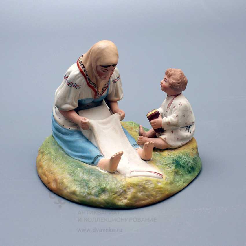 """Vintage Soviet figurine """"Peasant, whitening canvas"""", porcelain, biscuit, Verbilki, 1920-30 years - photo 1"""