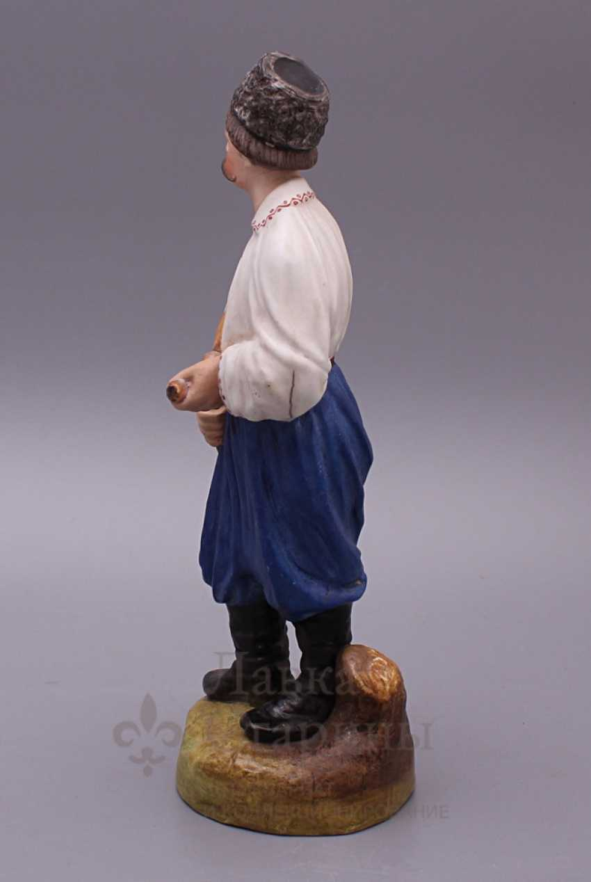 """Figurine """"Cossack with a pipe"""", Verbilki, 1920, biscuit - photo 3"""