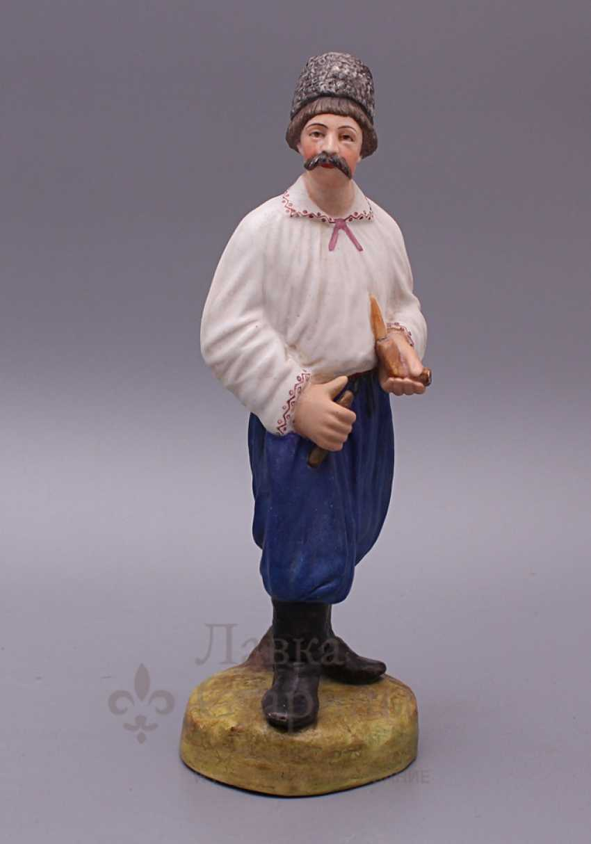 """Figurine """"Cossack with a pipe"""", Verbilki, 1920, biscuit - photo 1"""