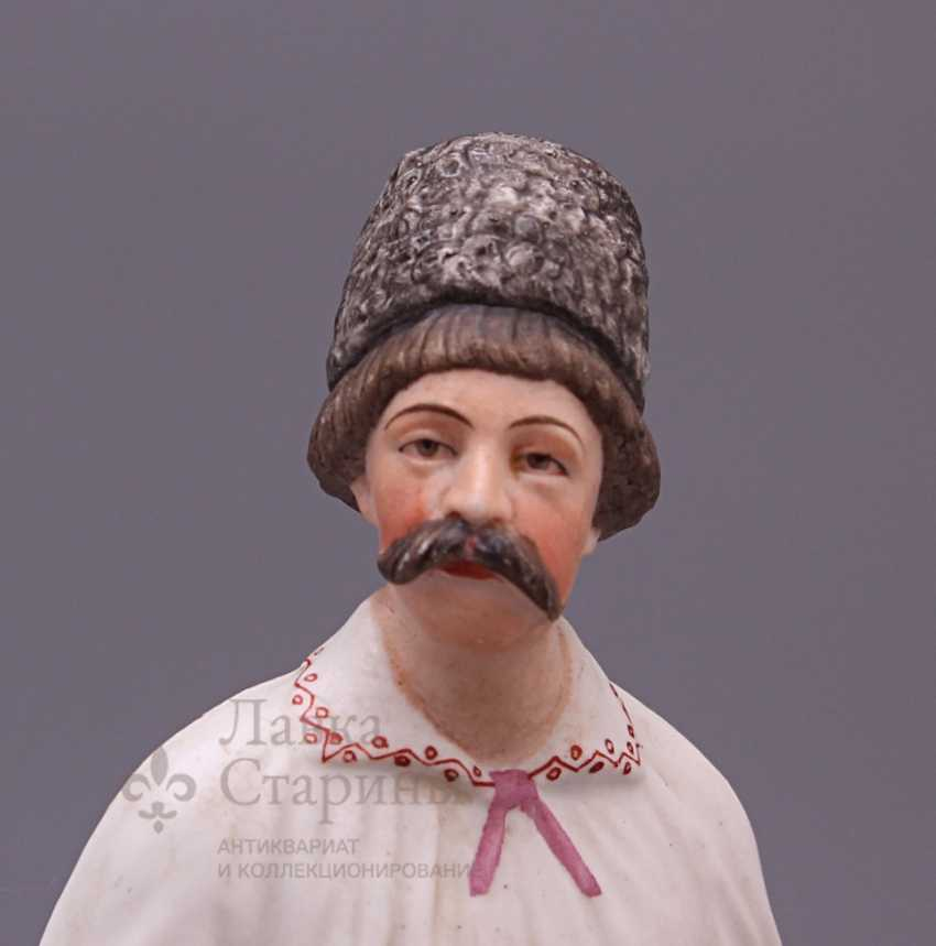 """Figurine """"Cossack with a pipe"""", Verbilki, 1920, biscuit - photo 2"""