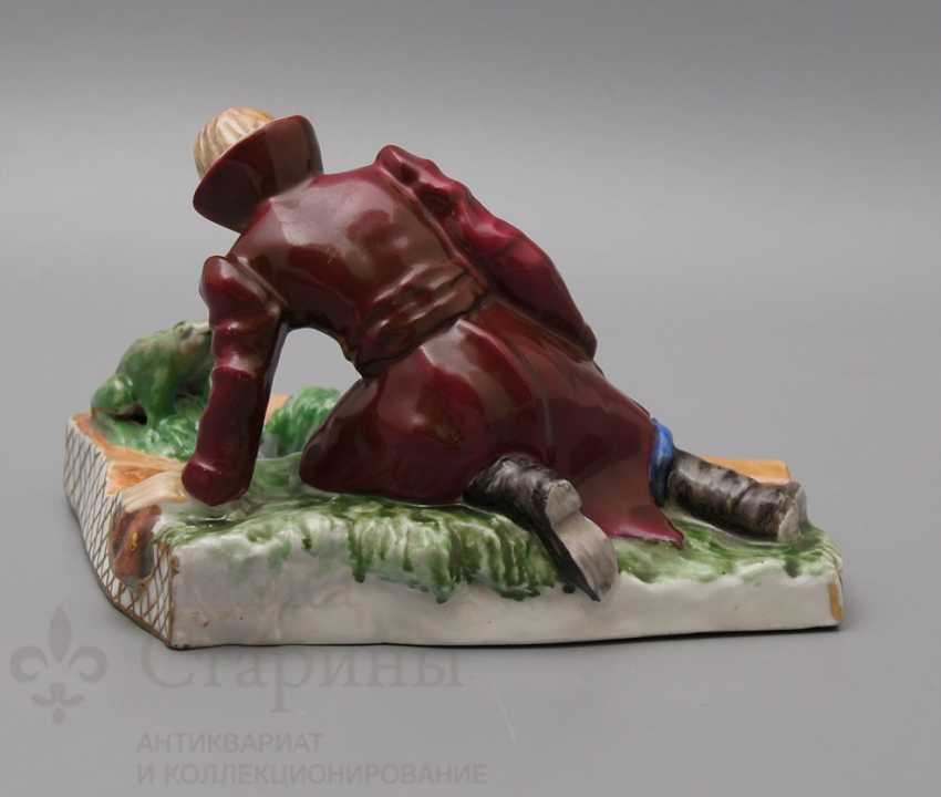 """The author's figure of the """"Prince Ivan to the frog-Princess"""", Pervomaysky porcelain factory (Sand) - photo 2"""