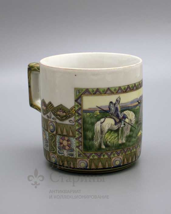 """Mug in the Russian style """"knight at the crossroads"""", the ZFA porcelain Verbilki, 1930s years - photo 2"""