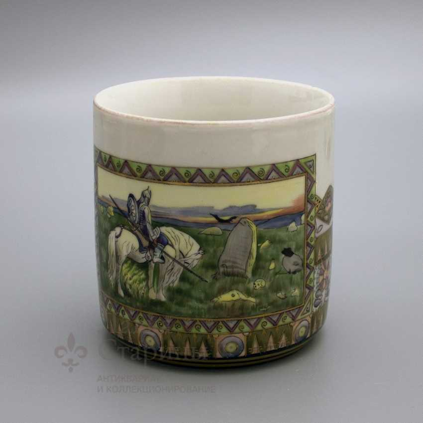 """Mug in the Russian style """"knight at the crossroads"""", the ZFA porcelain Verbilki, 1930s years - photo 1"""
