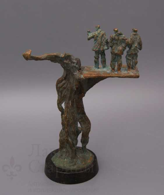 "The Sculpture ""Oil Industry"" - photo 3"