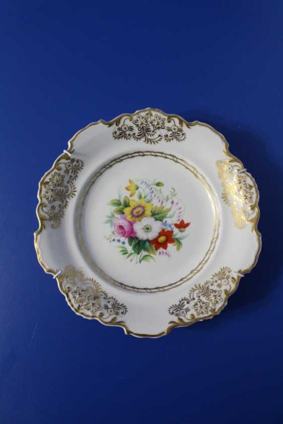 "Plate ""Flowers"", Imperial porcelain factory, 1825-1855 (Nicholas I) - photo 1"