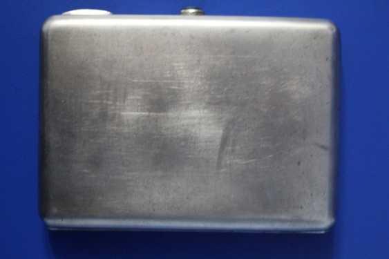 Cigarette case (84 alloy, carving, gilding, emerald) - photo 2