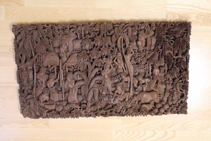 "Carved painting on wood ""the Malay way of life"", 1975 - photo 1"