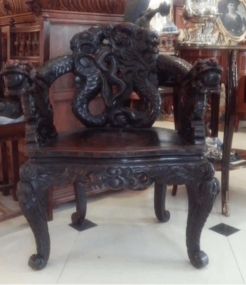 Stuhl mit Drachen , China Grau.XX Jahrhunderts. - Foto 1