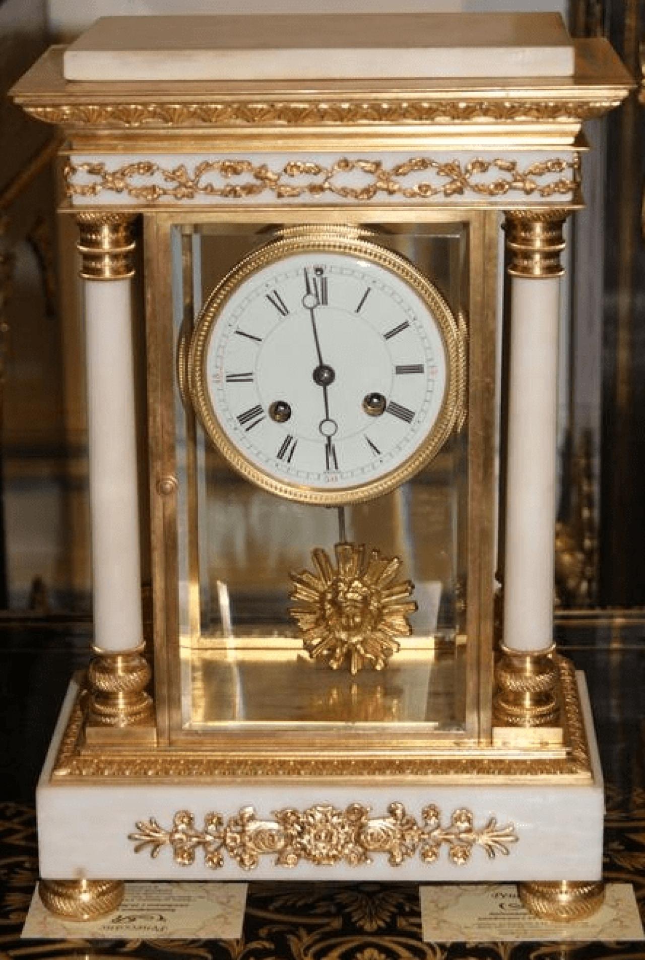 Horloge De Bureau Originale l'horloge de bureau de style empire, la france du xixe siècle