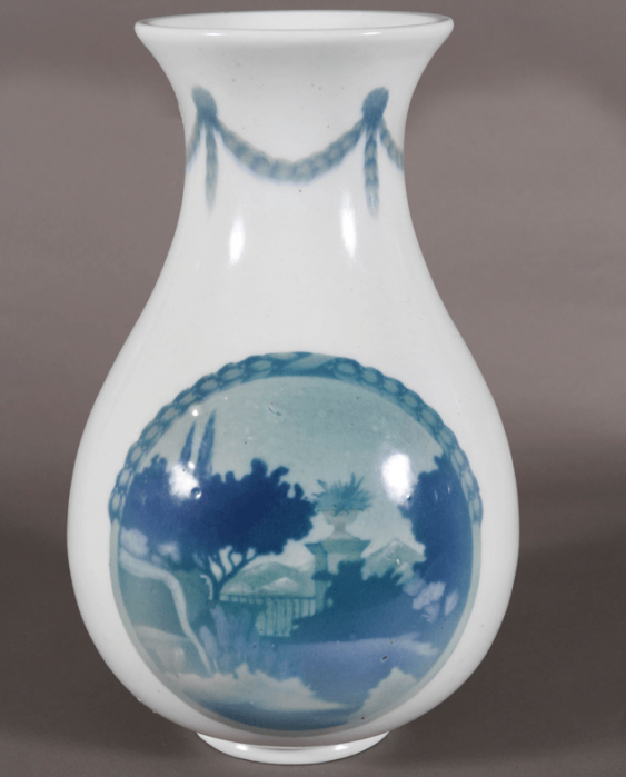 Vase of porcelain Stroganovskoe school - photo 2
