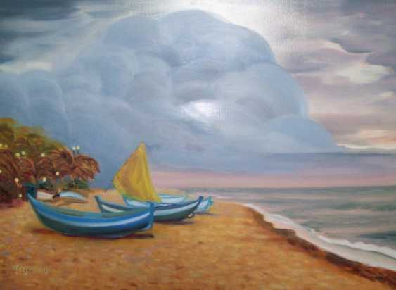 Alla Senatorova. Boats on sandy shore and clouds in the sky. - photo 1