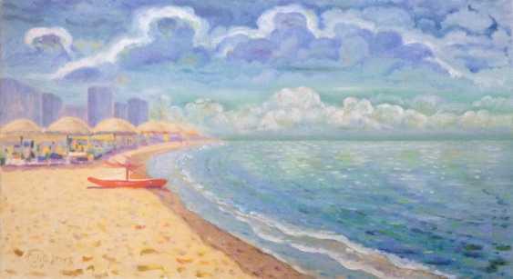 Alla Senatorova. Red boat on the shore. - photo 1