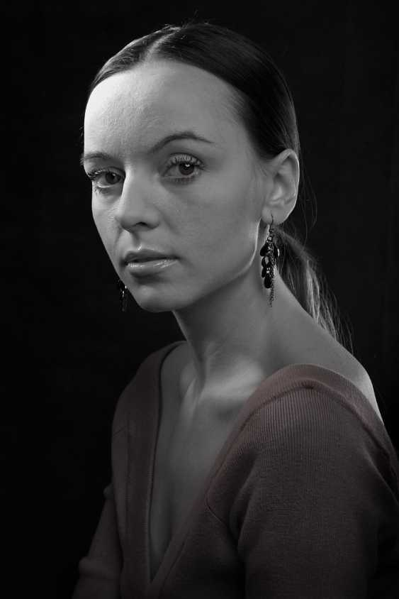 Yauhen Zaluzhny. female portrait - photo 1