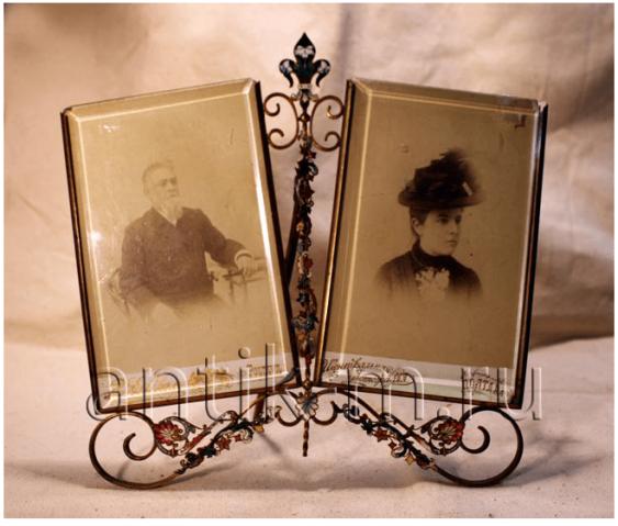 Frame for a photo. Brass, enamel, glass. - photo 1