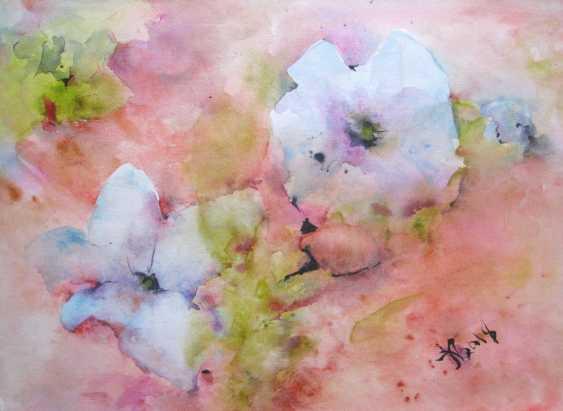 Anna Lomachenko. Blanc petun'i. Un parterre de fleurs - photo 1