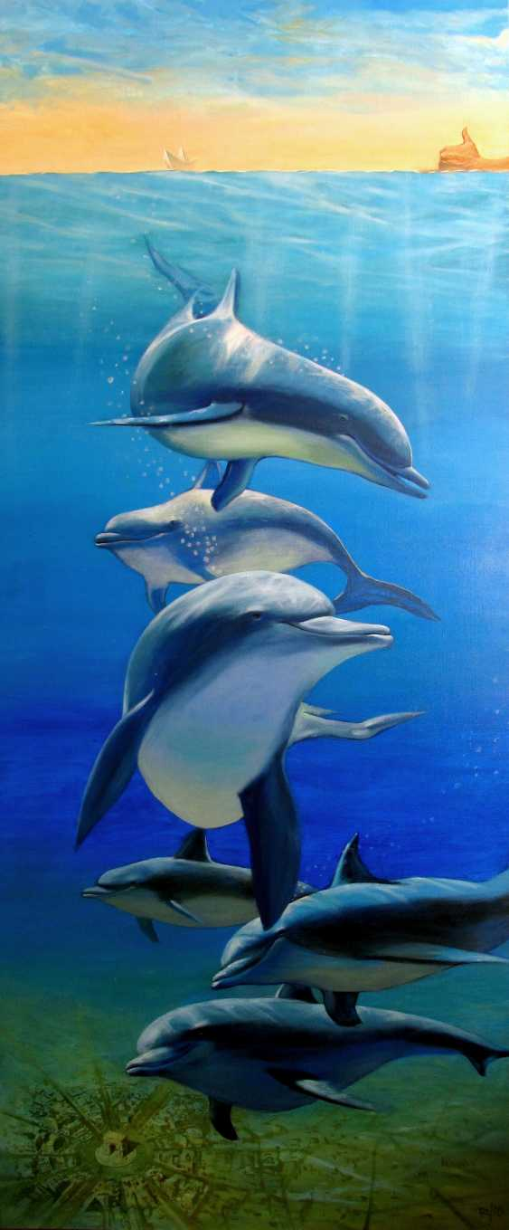 Sergiy Roy. Why are dolphins so mysteriously smiling ? - photo 2
