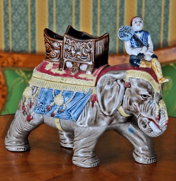 couleur argent Une boîte à bijoux en forme d/'éléphant