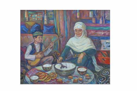 Mukhtar Syzdykov. Die Frau in der Jurte gießt stute - Foto 1