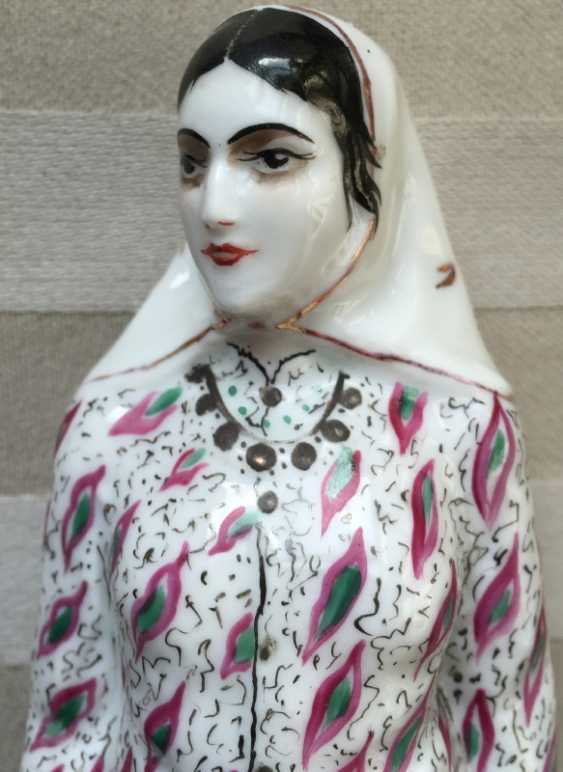 """LFZ figure of the """"Persian"""" statue Soviet porcelain of the 1920s - photo 3"""