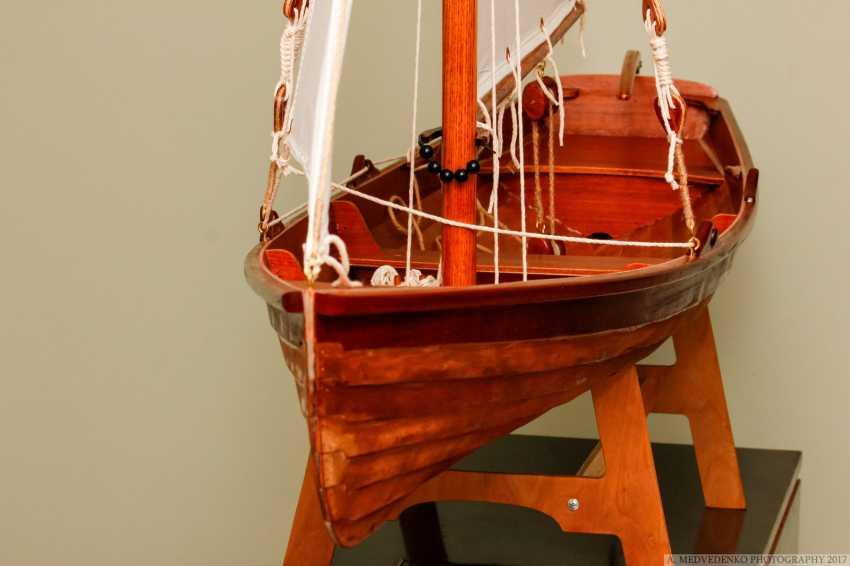 Igor Marukha. Model of the legendary wooden boat Whitehall - photo 2