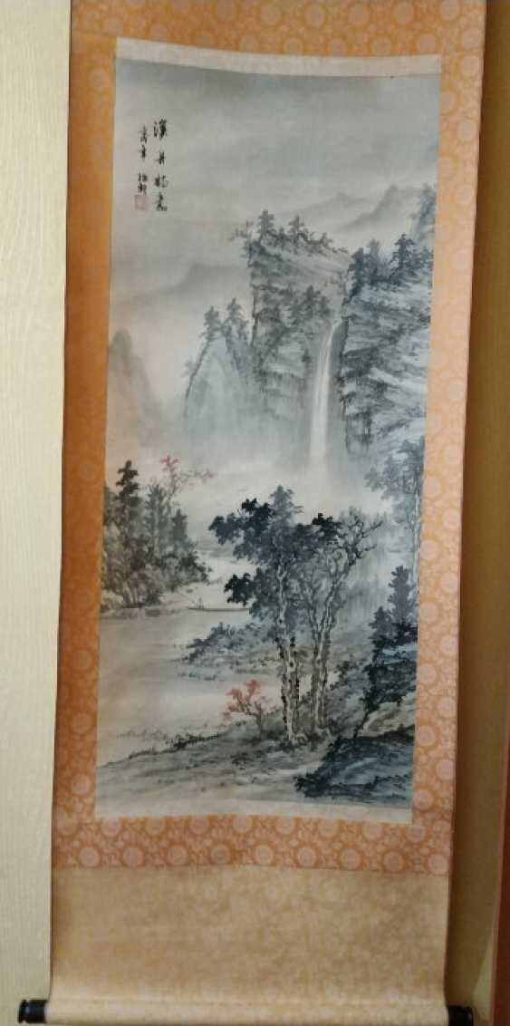 Traditional Japanese scroll painting - photo 1