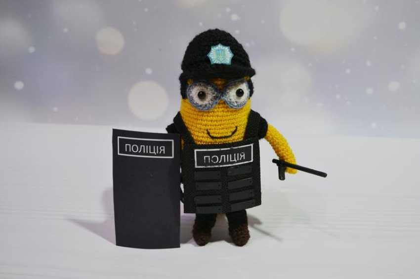 Tanya Derksch. Minion police officer - photo 2