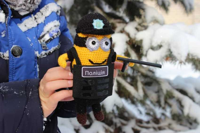 Tanya Derksch. Minion police officer - photo 5